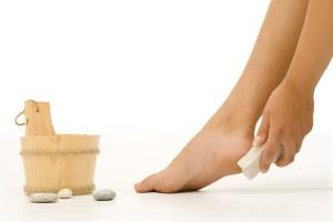 R7 – Lixar os pés engrossa a pele; veja receita para deixá-los lisinhos